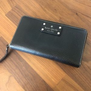 Kate Spade Zip Around Black Wallet